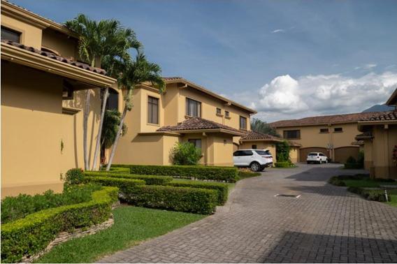Se Vende Linda Casa En Condominio Montemar, Guachipelín De E
