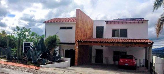 Rento Hermosa Casa Amueblada Vista Real Fracc. Exclusivo