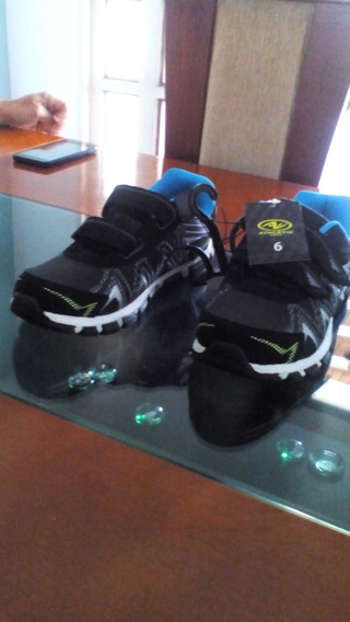 Zapatos Boys Athletic Works Talla 6 Americana