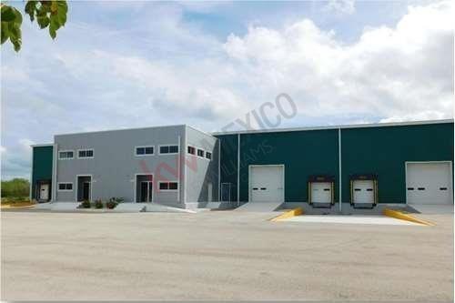 Renta De Funcional Bodega En Parque Industrial Uman, Yucatan