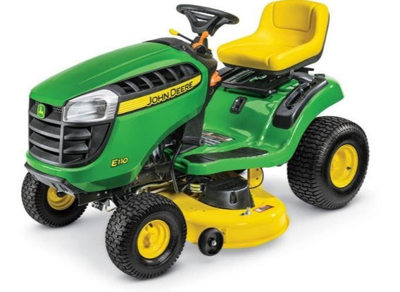 John Deere Mini Tractor E 110