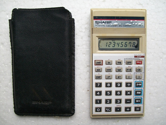 Calculadora Sharp Portátil (anos 80)