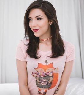 Blusa T-shirt Feminina Camiseta Estampa Romântica Raposa