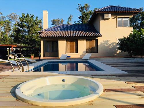 Alquilo Casa En Punta Ballena A 50 Metros De La Playa