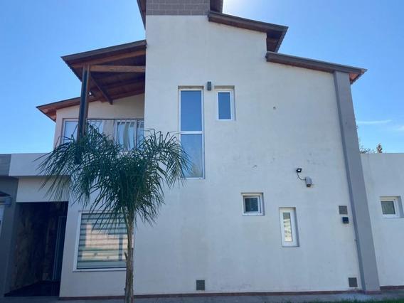 Casa De Lujo En Barrio Campo Romero - Rio Tercero