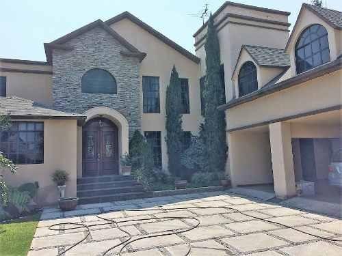 Venta Hermosa Residencia En Col. Santa Ursula Xitla.