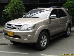 Toyota Fortuner Srv 4000 Cc
