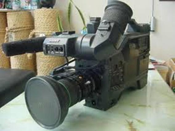 Câmera Betacam Sony Uvw-100 Case Original E Fonte