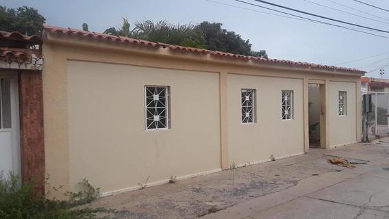 Casa En Venta En La Trinidad, Maracaibo
