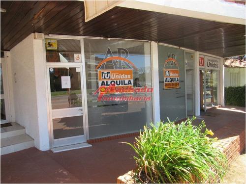 Local En Venta Con Alquiler Anual- Ref: 4895