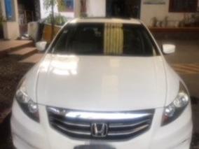 Honda Accord 2011 Con 4 Puertas, 4 Cilindros Y Quema Cocos.