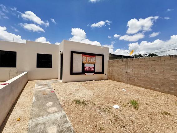 Casa Nueva En Venta En Mérida, 2 Recámaras Y Muy Amplio Terreno