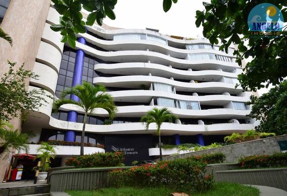 Apartamento No Bairro Ondina Em Salvador - 966