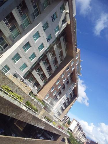 Imagen 1 de 14 de Bello Apartamento De 114 M² Remodelado  Urb. Escampadero