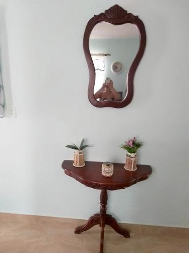 Imagen 1 de 3 de Repisa Con Espejo (caoba)