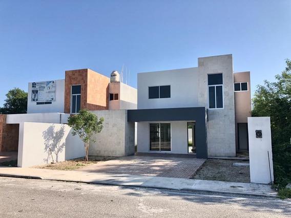 Casa Con Alberca Cerca De Playa En Venta, Zona Chicxulub Pue