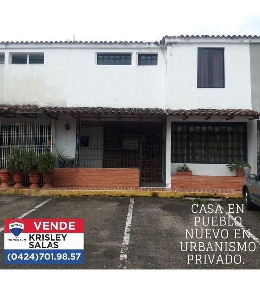 Se Vende Linda Casa Familiar En Urbanismo Privado
