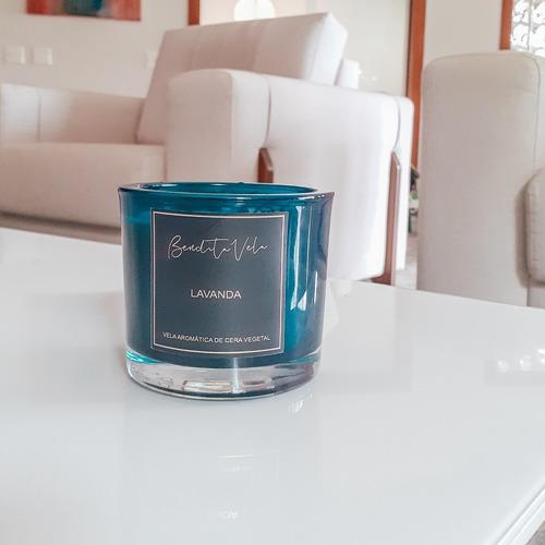 Imagem 1 de 4 de Vela Vegetal Aroma Lavanda Vidro Azul P - Bendita Vela