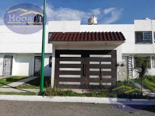 Casa En Venta Con Cochera Cerrrada Fraccionamiento El Árbol León Gto.