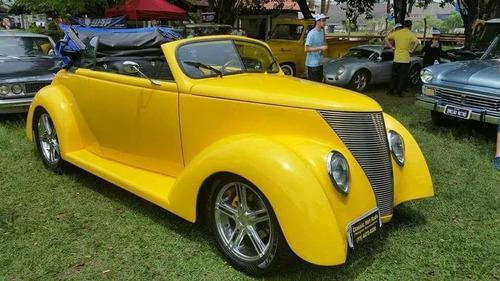 Ford 1937 Coupe (réplica)