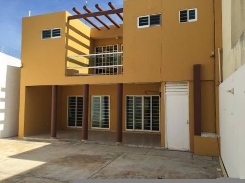 Hermosa Casa Residencial En Renta Con Sistema De Seguridad.