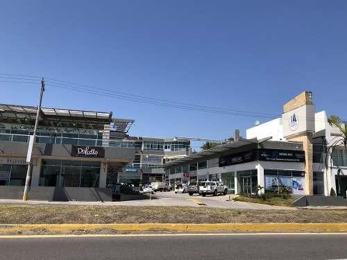 Plaza Veleros, Oficina En Venta Y Renta Sobre El Blvd. De La Riviera Veracruzana