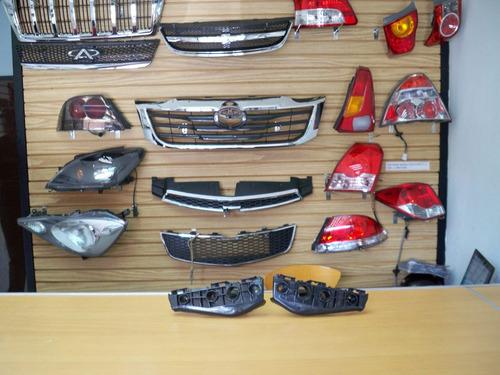 Base Soporte Parachoque Delantero Toyota Corolla 2009 / 2011
