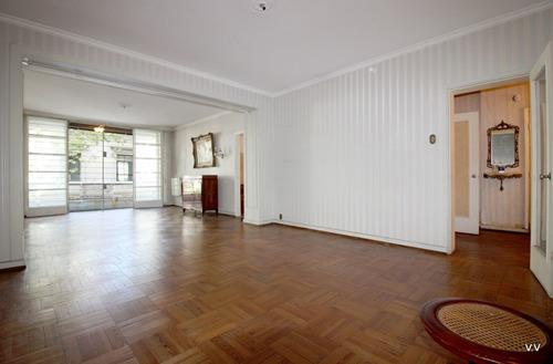 Venta De Apartamento De 2 /3 Dormitorios, Centro
