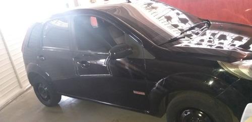 Imagem 1 de 11 de Ford Fiesta 2012 1.0 Flex 5p