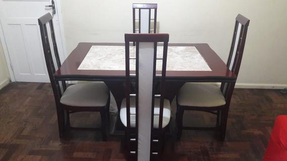 Mesa De Madeira Com Tampo De Marmore E 4 Cadeira