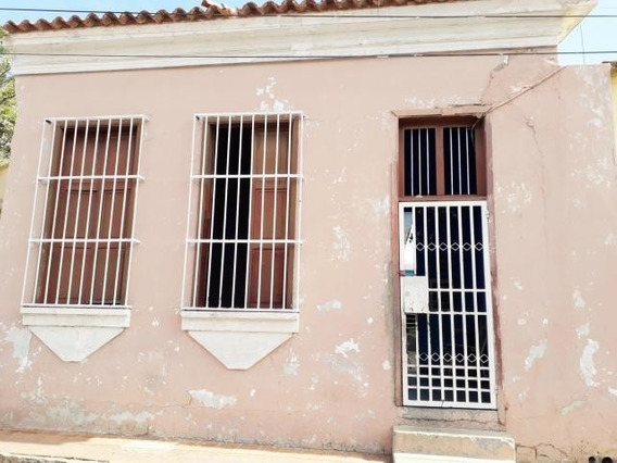 Casa En Venta Centro De Coro Cod-20-6780 04246254310