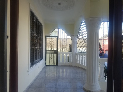 Casa En Alquiler Próximo A La Autopista De San Isidro
