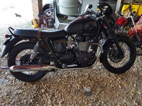 Triumph Boneville T100 Black
