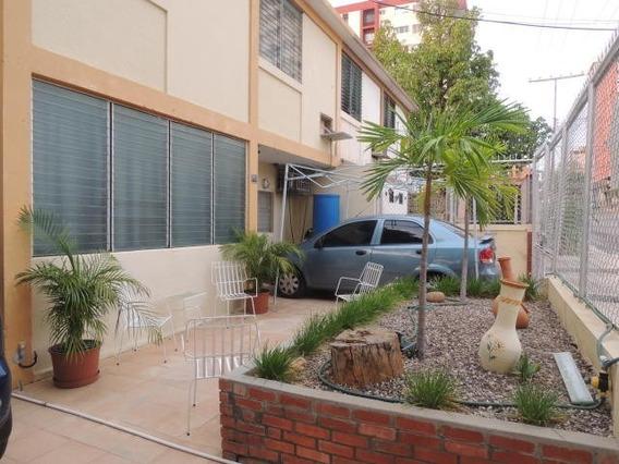 Casa En Venta Maracaibo 18-5251 Ap