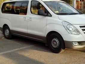 Hyundai H1 Minibús