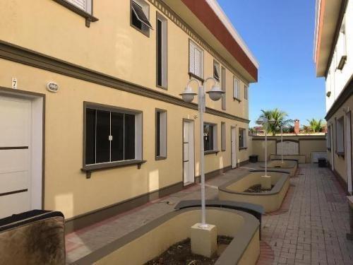 Casa De Condomínio Com 2 Dormitórios Em Itanhaém 6871-pc