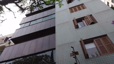 Apartamento Em Moinhos De Vento Com 3 Dormitórios - Lu267211