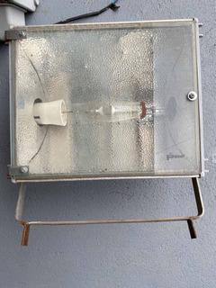 Reflector C/balasto Interno Más Lampara 400w