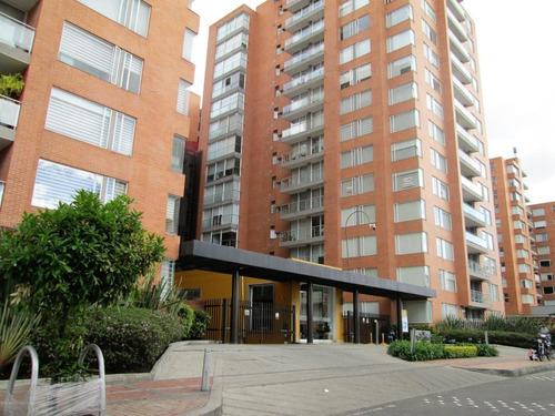 Apartamento En  La Felicidad Mls 21-1046 Lq