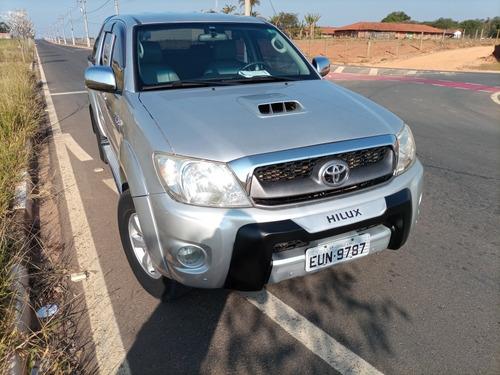 Imagem 1 de 4 de Toyota Hilux 2011 3.0 Srv Cab. Dupla 4x4 Aut. 4p