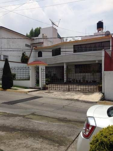 Casa En Lomas De La Hacienda En Calle Con Seguridad