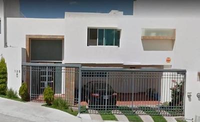 Se Vende Casa De 2 Plantas 3 Rec,de 230mts2 De Terr.lom Tec