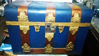 Baul Antiguo De Madera Y Metal, Hermosa Pieza De La Historia