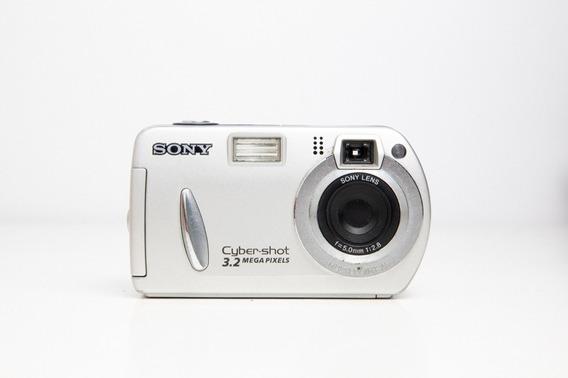 Câmera Fotográfica Sony Cyber-shot 3.2 Mp