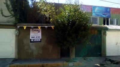 Casa En Venta En Jardines De Morelos, Ecatepec.