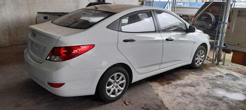 Hyundai Accent 1.5 Gls Mt
