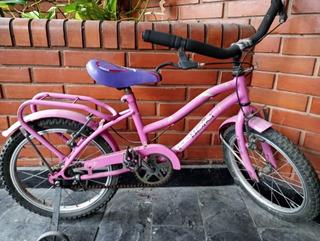Dos Bicicletas Y Un Cuatriciclo