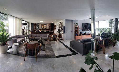Imagen 1 de 24 de Baja De Precio!!!  Se Vende En Exclusiva Casa En Calle Con D