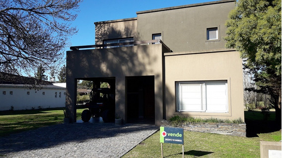 Golf Chascomus Country Club. Casa En Venta