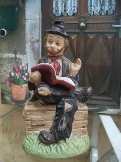 Caixa De Musica Antiga Porcelana Coleção Willy Lendo Pequeno